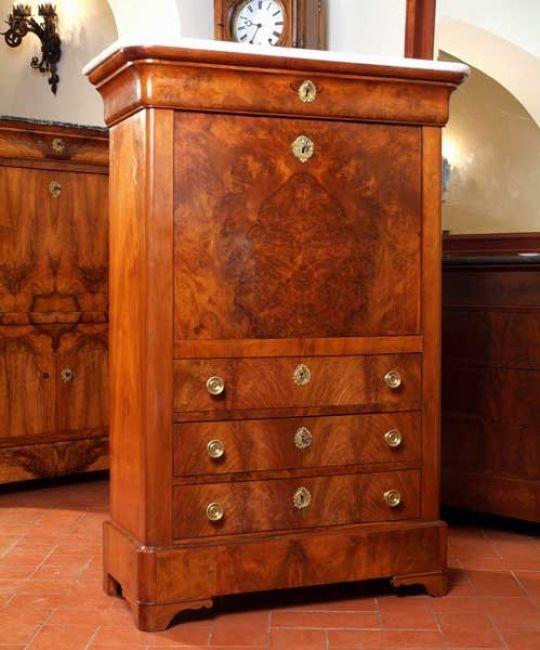 Mobili antichi come arredare casa con mobili antichi i - Olio per mobili antichi ...