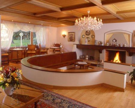 Mobili casa moderna semplici essenziali for Case con arredamento moderno