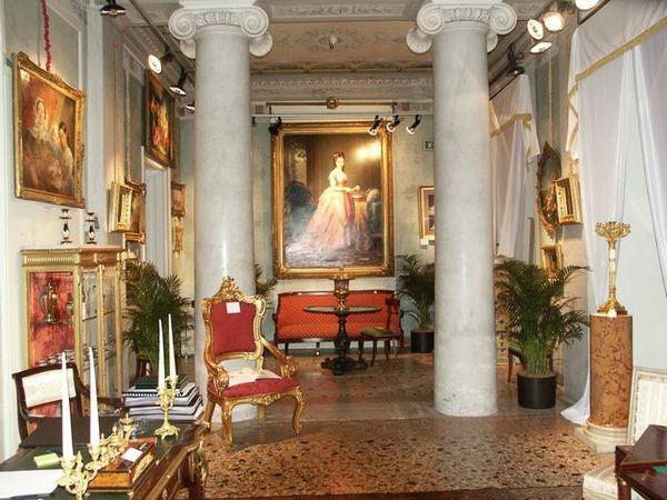 mobili antichi Catania: negozi di antiquariato a Catania