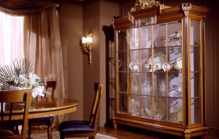 Copie dei mobili antichi e mobili in stile